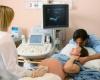 Колет внизу живота при беременности